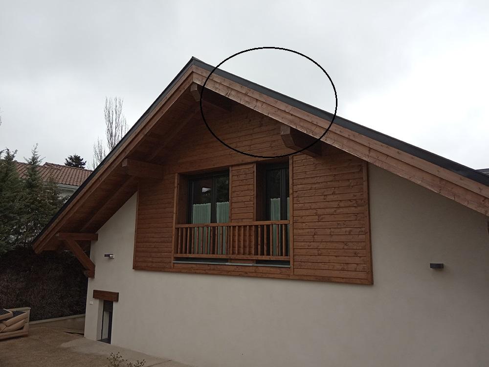 Deterioro de aleros en madera exterior